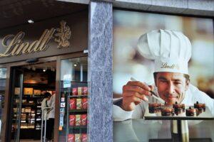Swiss chocolate, switzerland, tarvel